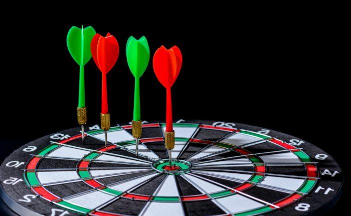 Red,And,Green,Dart,Arrow,Hitting,Target,Center,Dart,Board